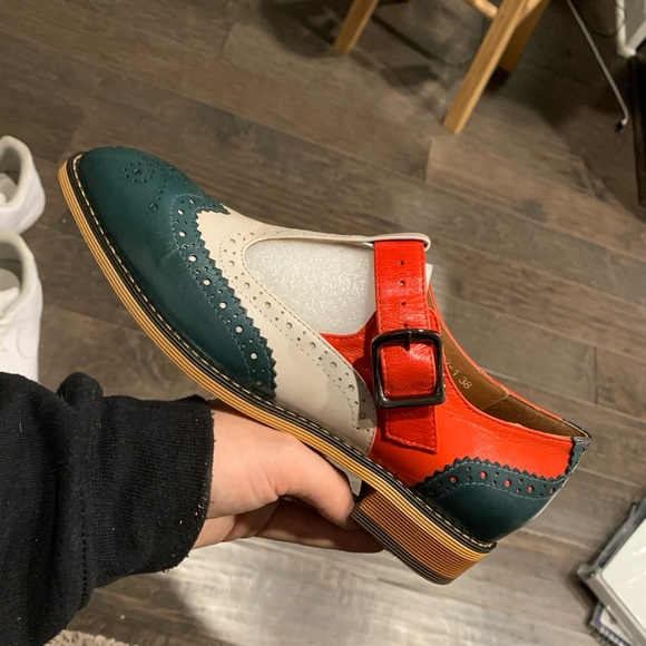 mona flying Shoes   Womens Leather